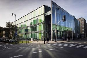 Budynek wydziałów Lingwistyki Stosowanej i Neofilologii przy ul. Dobrej 55. Fot. M. Kaźmierczak