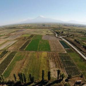 Widok na Ararat ze stanowiska Metsamor, fot. K. Jakubiak