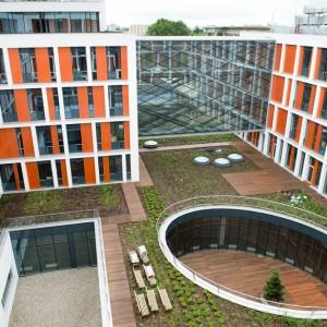 Zdjęcie współczesne: gmach Wydziału Fizyki przy ul. Pasteura 5, fot. M. Kaźmierczak/UW.