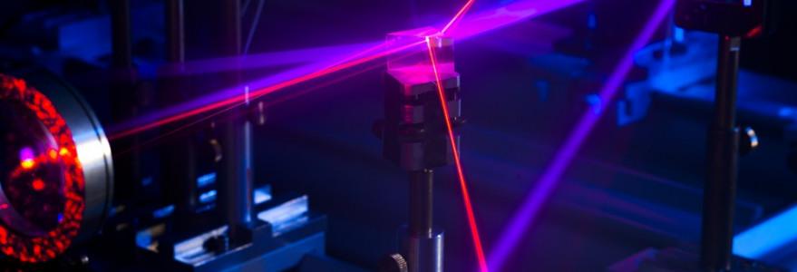 Na Wydziale Fizyki naukowcy opracowują metody wykorzystywania splątania kwantowego. Fot. J. Grabek