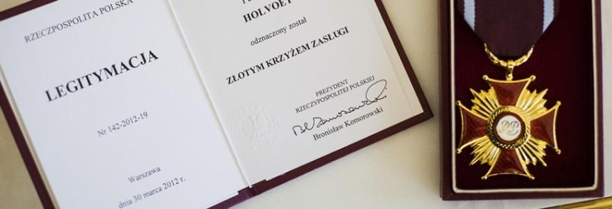 Złoty Krzyż Zasługi dla prof. Axela Holvoeta z Wydziału Polonistyki UW, fot. Łukasz Kamiński/KPRP