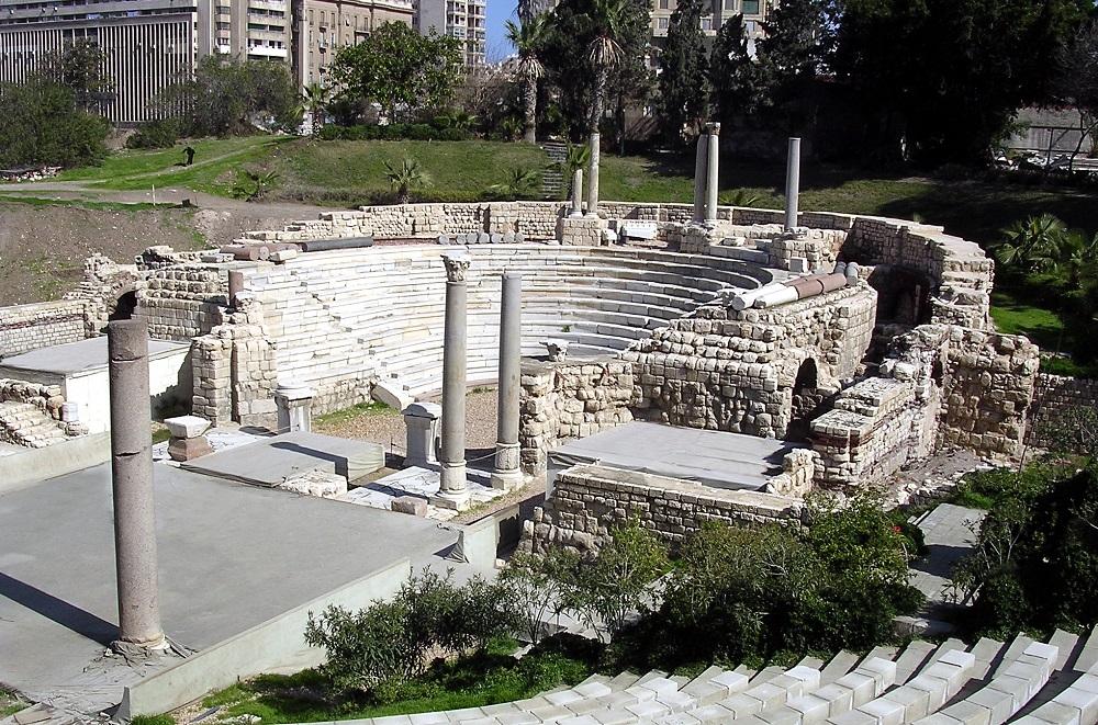 Zdjęcie późnoantycznego teatru w Kom el-Dikka