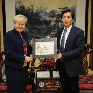 Podpisanie porozumienia pomiędzy Uniwersytetem Warszawskim i Syczuańskim