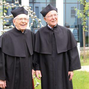 Prof. Adam Hulanicki i prof. Zbigniew Galus, doktorzy honoris causa Uniwersytetu w Białymstoku.