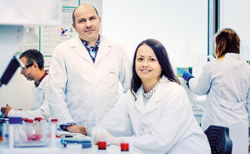 Zdjęcie prof. J.Jemielitego i dr J.Kowalskiej