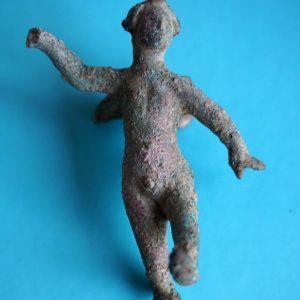 Figurka Erosa znaleziona w czasie wykopalisk w Novae. Fot. P. Dyczek.