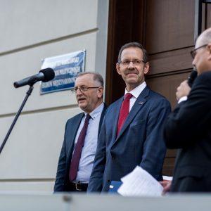 Prof. Marcin Pałys, rektor UW, i prof. Stanisław Sulowski, dziekan WNPiSM.