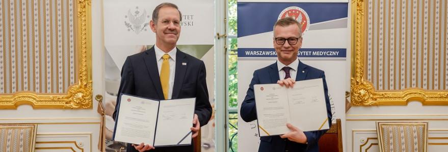 Uroczystość podpisania listu intencyjnego UW z WUM.