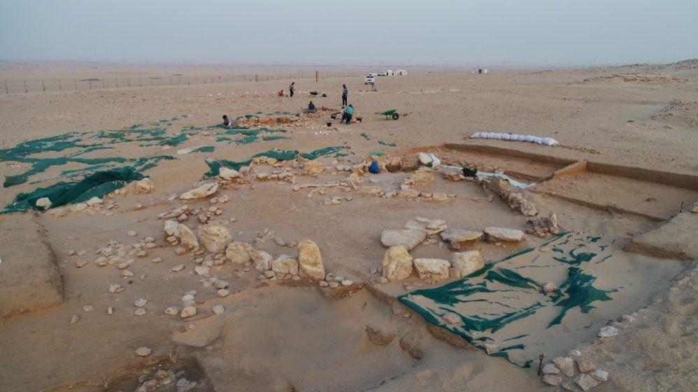 Widok na okolicę budowli kultowej na Bahra 1. Fot. Sz. Lenarczyk