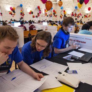 Od ponad 20 lat studenci UW uczestniczą w Akademickich Mistrzostwach Świata w Programowaniu Zespołowym. Dwukrotnie zdobyli tytuł mistrzów świata, fot. R. Piland (ICPC)