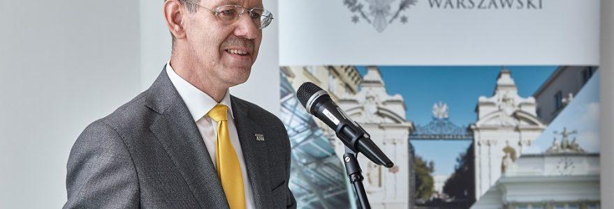 Podpisanie umowy z firmą Hochtief Polska, generalnym wykonawcą inwestycji w ramach II etapu realizacji budynku przy ul. Dobrej 55.