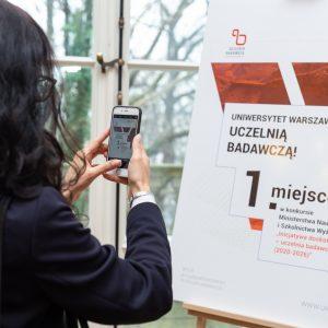 """Uniwersytet Warszawski otrzymał status uczelni badawczej w konkursie Ministerstwa Nauki i IDUB, Szkolnictwa Wyższego """"Inicjatywa doskonałości""""."""