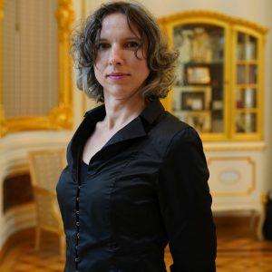 dr hab. Ewa Durska, prodziekan ds. studenckich na Wydziale Geologii
