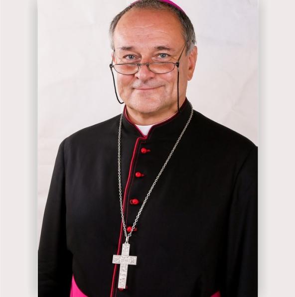 Bp dr hab. Michał Janocha, prof. UW. Fot. www.al.uw.edu.pl.