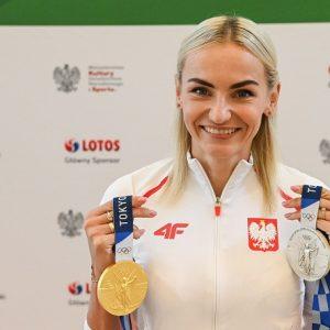 Justyna Święty-Ersetic ─ złota medalistka w sztafecie 4x400 m mix i srebrna medalistka w sztafecie 4x400 m.